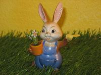 Goebel Hase  #550  Bis bald!   Häschen mit Blumenstock winkt zum Abschied