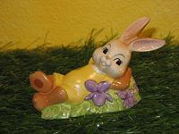 Goebel Hase  #572  Pause im Frühlingsduft