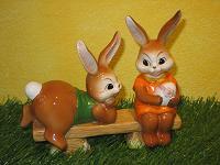 Goebel Hase  #599  Rendezvous  -  ein Flirt auf der Gartenbank