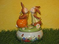 Goebel Hase  #613  Ein Herz und eine Seele - Spieluhr