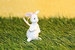 "Goebel Hase  #703  Minihasen ""Snow White"" Hängeornament - For Me?  6cm"